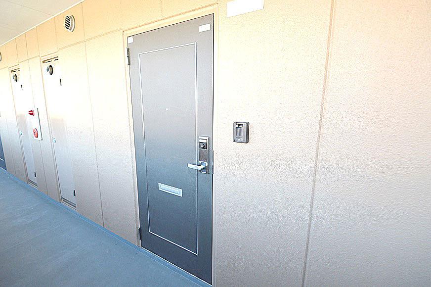 宿毛市賃貸マンション-玄関戸