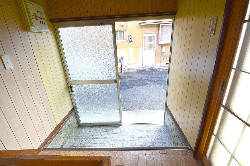 宿毛市賃貸アパート-室内から見た玄関