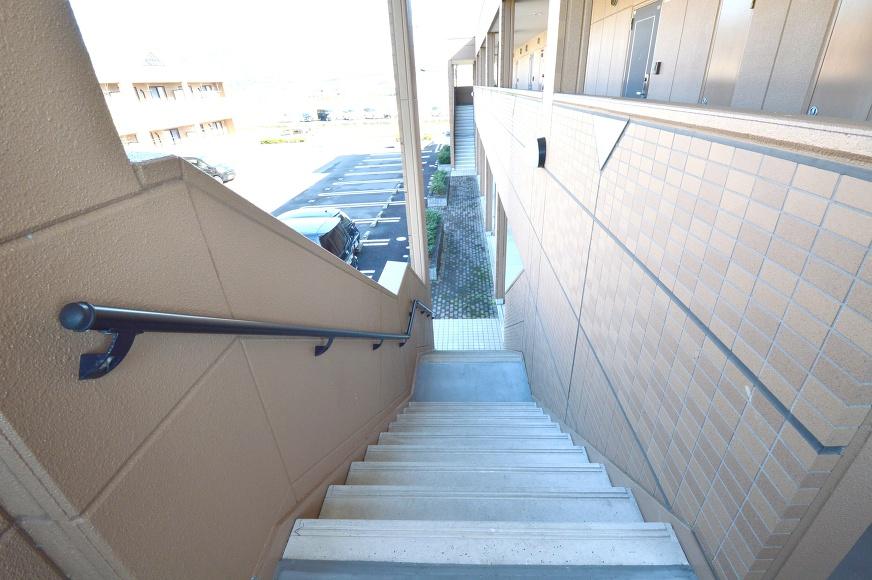 手摺り付き階段