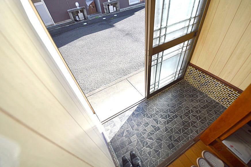 室内から玄関